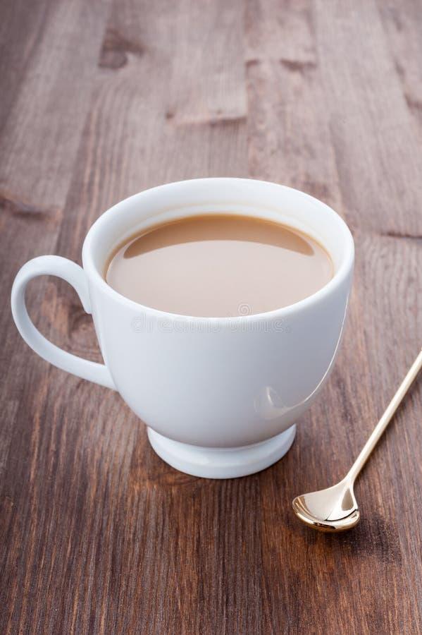 Download De tijd van de koffie stock afbeelding. Afbeelding bestaande uit donker - 29506633