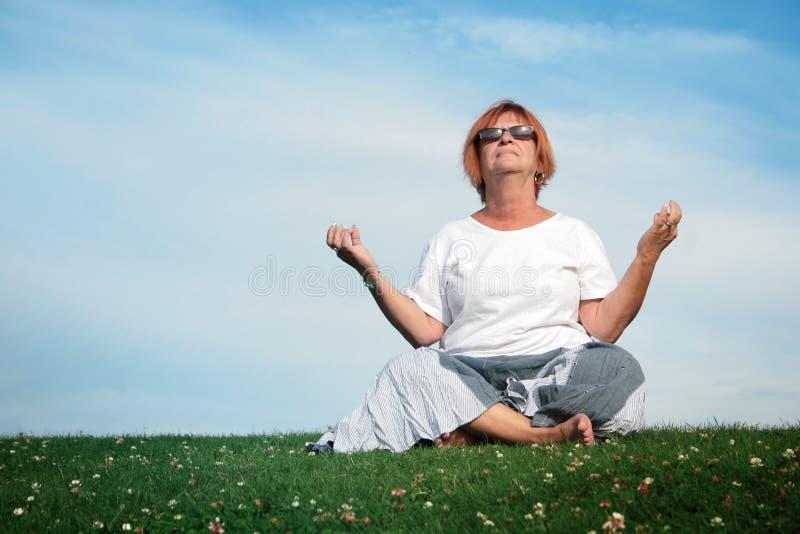 De tijd van de yoga stock afbeeldingen