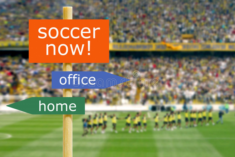De tijd van het voetbal voor grote jongens royalty-vrije stock afbeelding