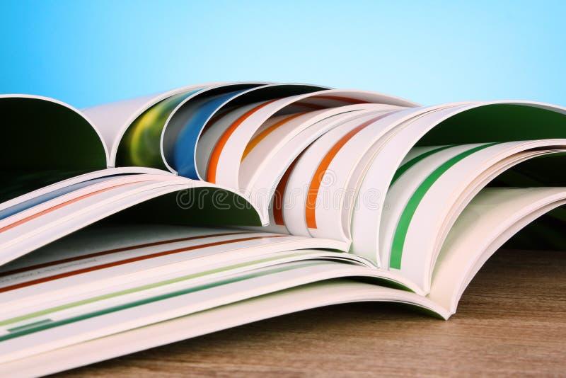 De tijdschriften van de kleur royalty-vrije stock afbeeldingen