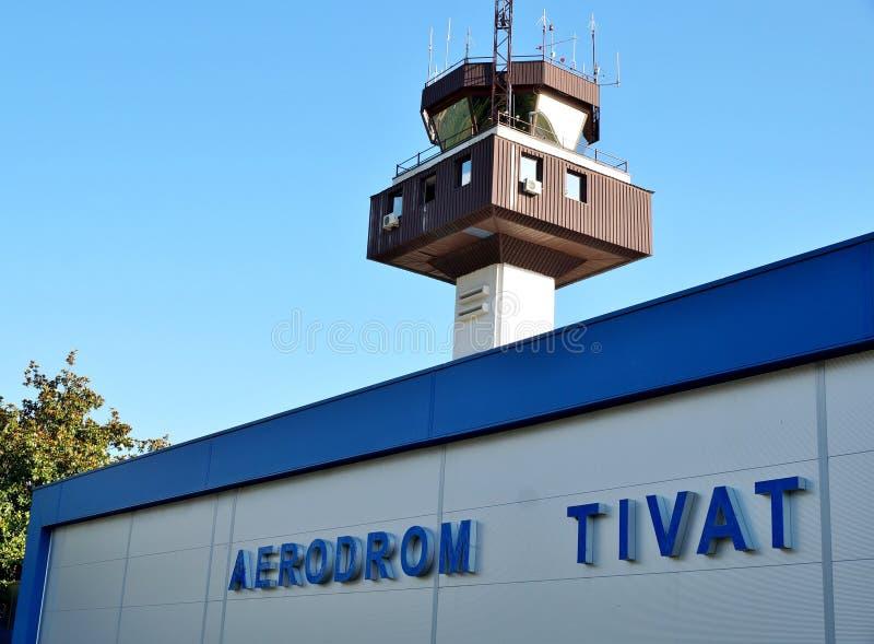 De Tivat-Luchthaven, of Aerodrom Tivat in Inwoner van Montenegro (TIV) stock foto's
