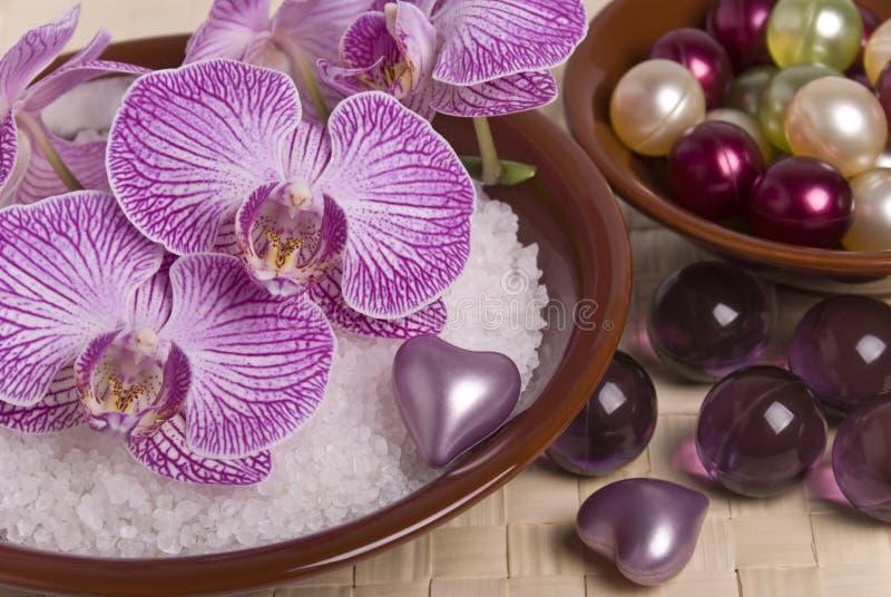 De toebehoren en de orchidee van het bad royalty-vrije stock foto's