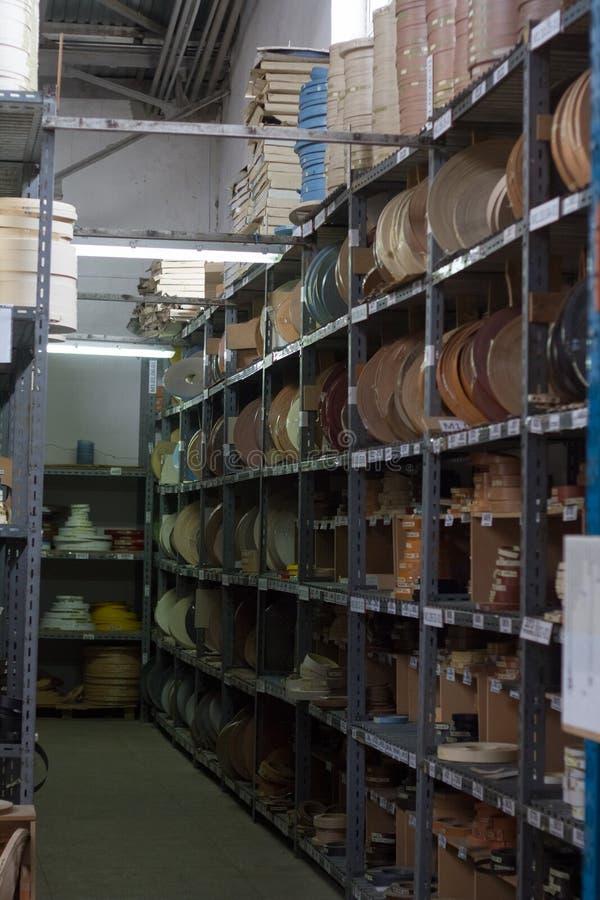 De toebehoren van het meubilair Multicolored spoelen van de rand en de melanine van pvc voor de vervaardiging van meubilair stock afbeelding