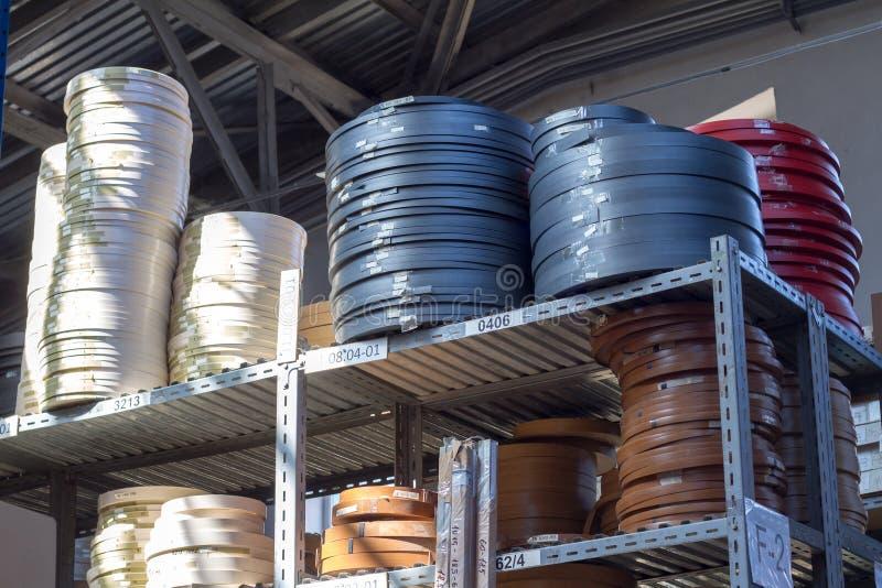 De toebehoren van het meubilair Multicolored spoelen van de rand en de melanine van pvc voor de vervaardiging van meubilair Lig p stock fotografie
