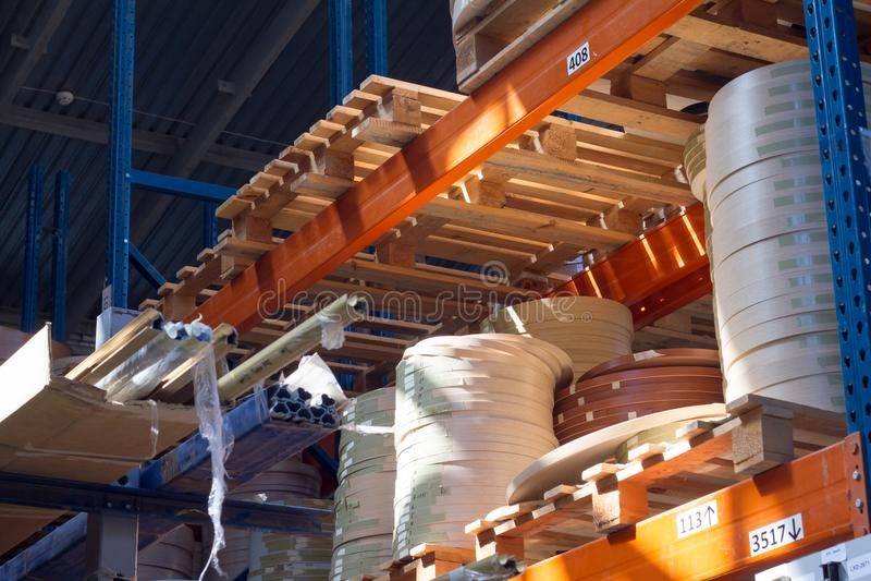 De toebehoren van het meubilair Multicolored spoelen van de rand en de melanine van pvc voor de vervaardiging van meubilair Lig p stock foto's