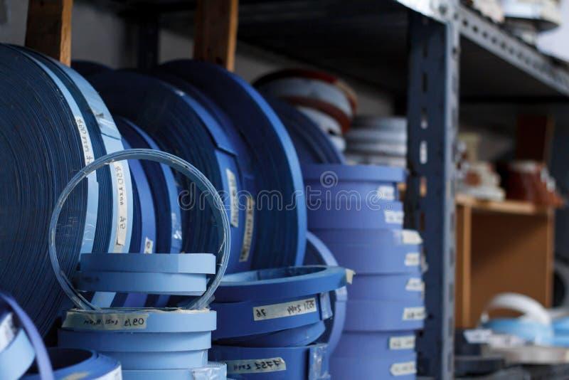 De toebehoren van het meubilair Multicolored spoelen van de rand en de melanine van pvc voor de vervaardiging van meubilair Lig p royalty-vrije stock foto's