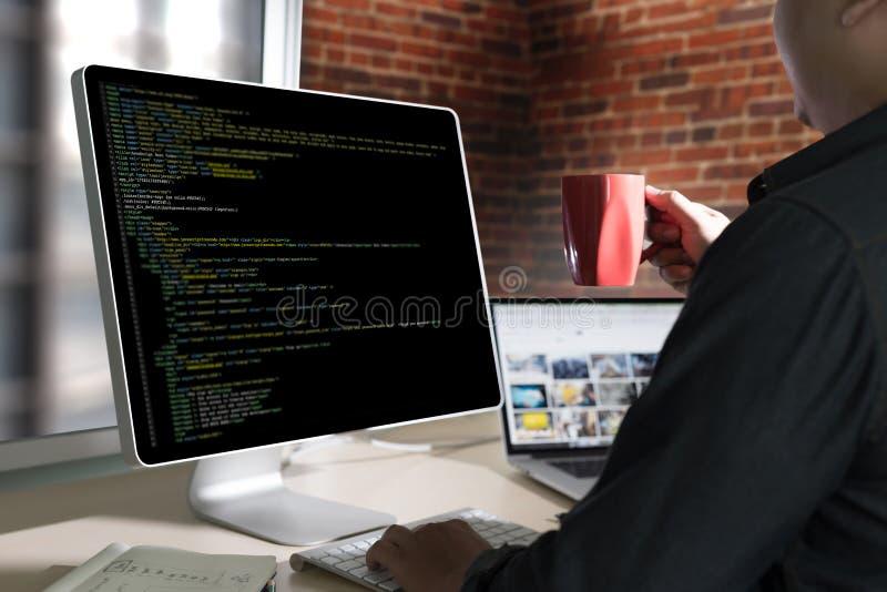 De Toepassing Softwa van ontwikkelaarteam working laptop computer mobile stock foto's