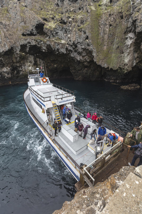 De Toeristenboot van het Anacapaeiland stock foto's