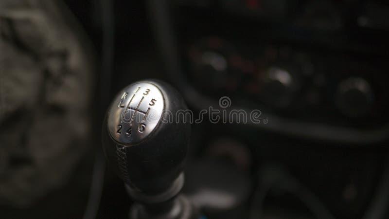 De toestelhefboom van handversnellingsbak, sluit omhoog, geselecteerde nadruk stock foto
