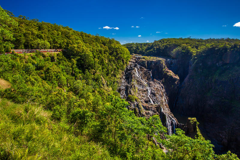 De Toneelspoorwegen van Barron Falls en van Kuranda, Queensland, Australië stock fotografie