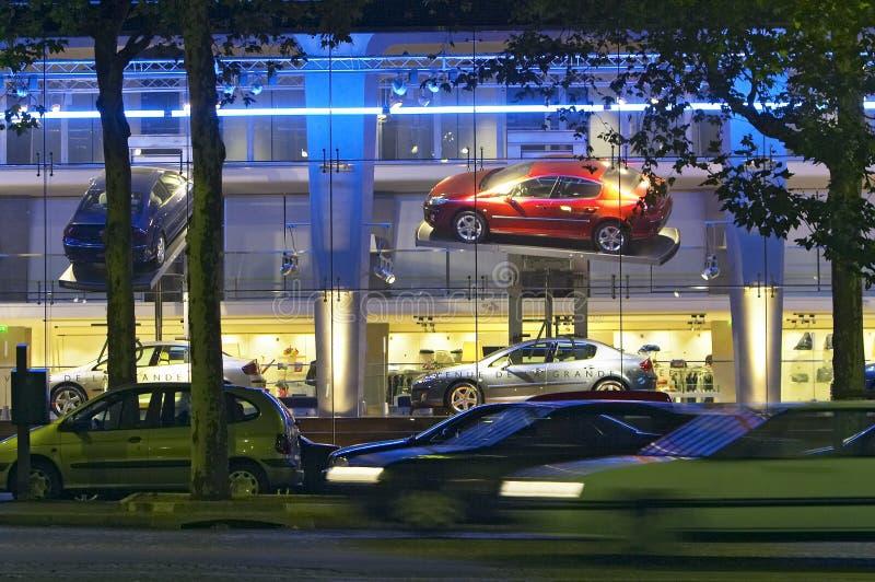 De toonzaal van auto's royalty-vrije stock afbeelding