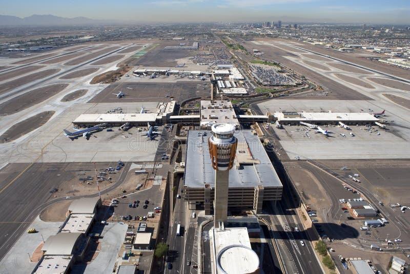 De Toren & de Luchthaven van de controle stock foto