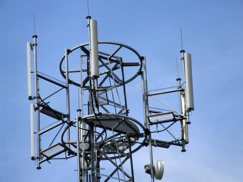 De toren hoogste antennes van de cel stock afbeelding