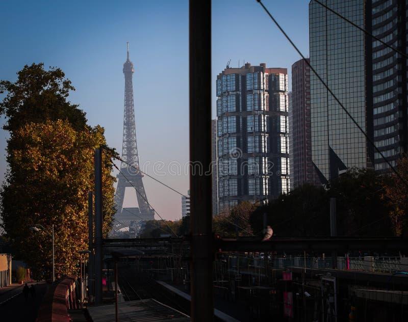 De toren november 2018 van zonsondergangparijs Eiffel royalty-vrije stock afbeelding