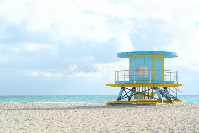 Download De Toren Van De Badmeester In Miami Stock Foto - Afbeelding bestaande uit nave, veiligheid: 114226122