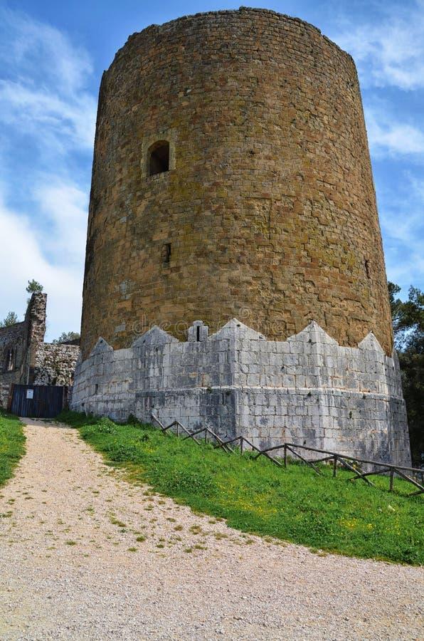 De Toren van Casertavecchia, Middeleeuws kasteel, Campania, Italië stock foto