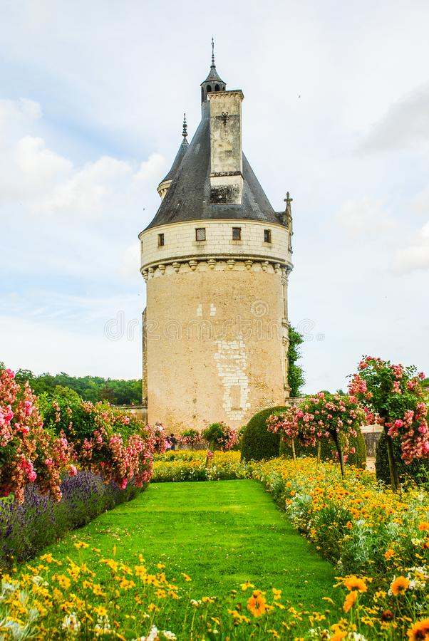 De toren van Chateau DE Chenonceau is een Franse chateau binnen overspannend de Rivier Cher, dichtbij het kleine dorp van Chenonc royalty-vrije stock foto's