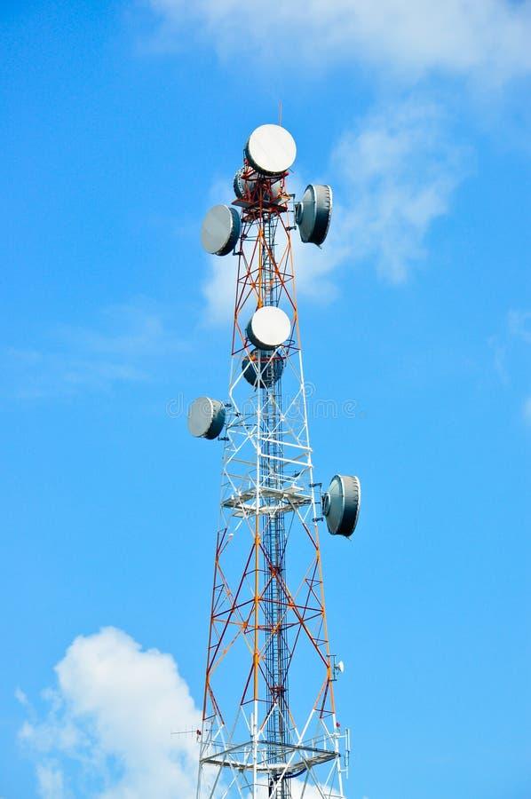 De Toren van de antenne van Mededeling stock afbeelding