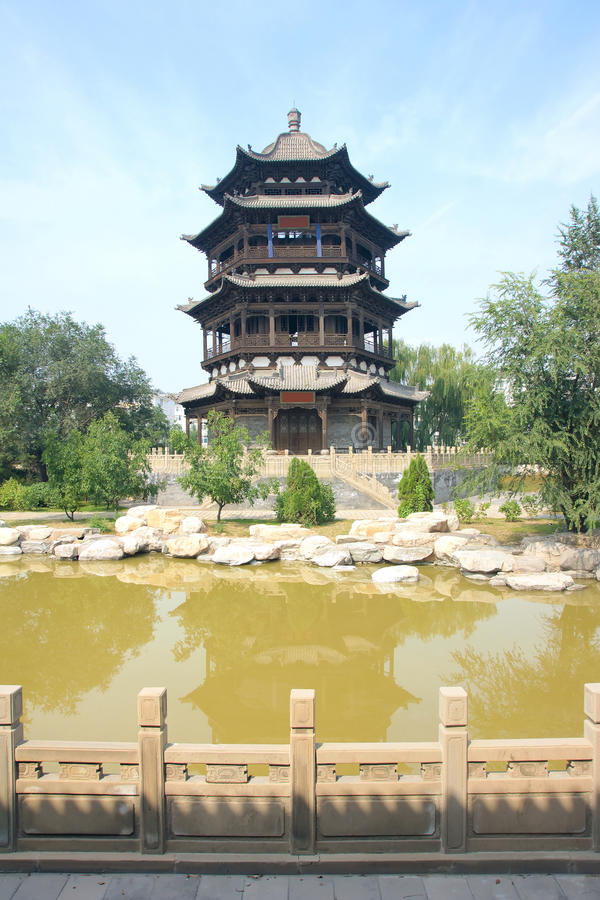 De toren van de bibliotheek stock afbeelding