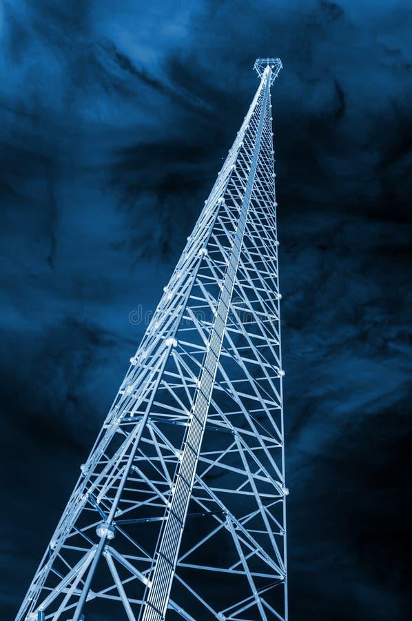 De toren van de celtelefoon stock afbeeldingen