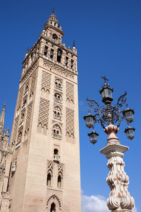 De Toren van de Kathedraal van La Giralda in Sevilla royalty-vrije stock afbeelding