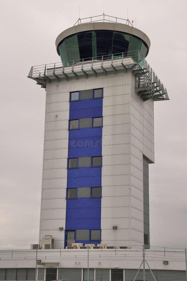 De toren van de luchthavencontrole royalty-vrije stock afbeelding