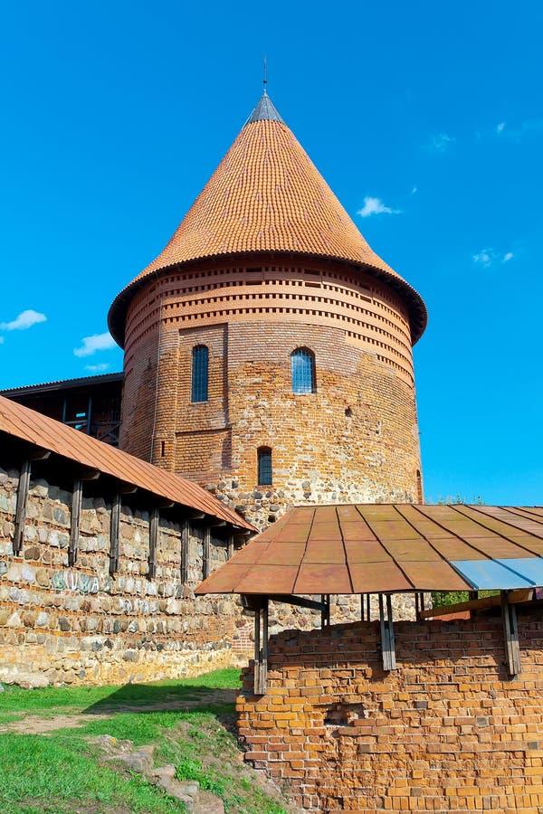 De toren van de oude vesting in Kaunas litouwen stock foto's