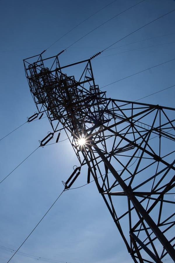 De Toren van de Transmissie van de macht stock afbeeldingen