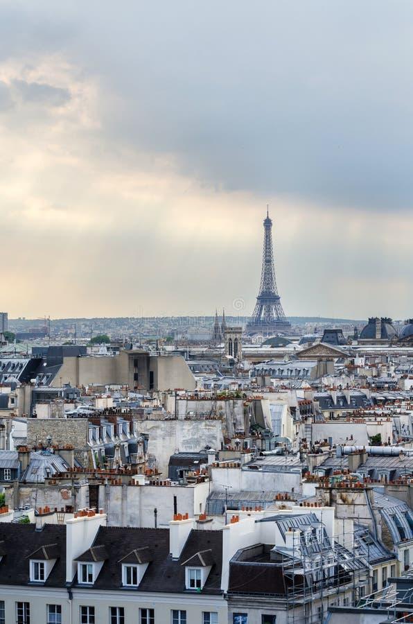 De Toren van Eiffel bij zonsondergang royalty-vrije stock fotografie