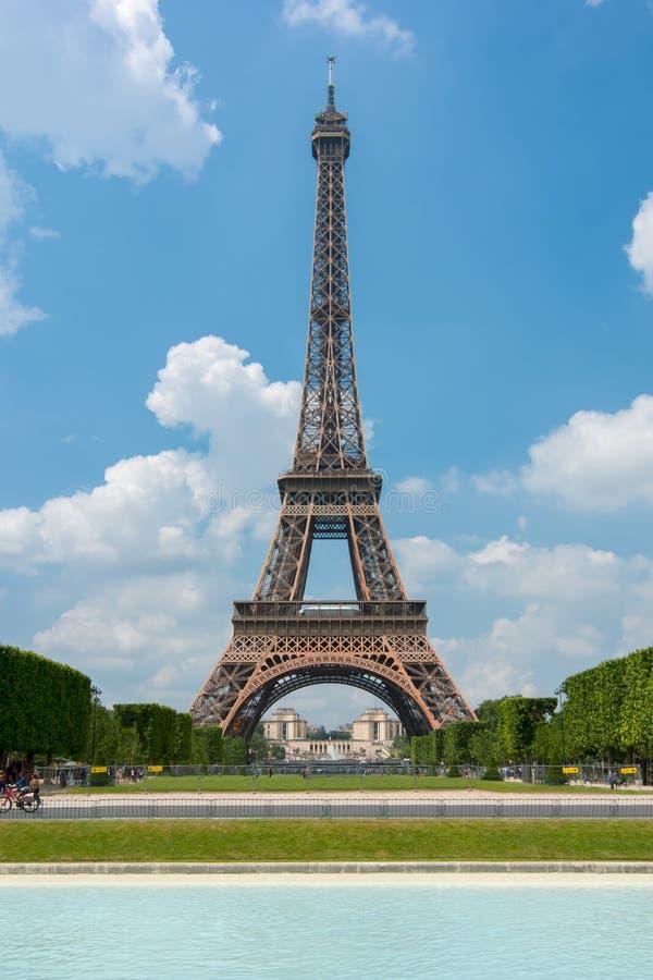 De Toren van Eiffel en Gebied van Mars, Parijs, Frankrijk royalty-vrije stock foto's
