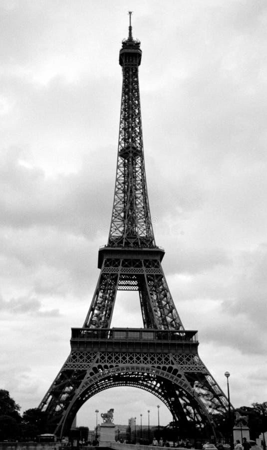 De Toren van Eiffel in Parijs, Frankrijk stock afbeeldingen