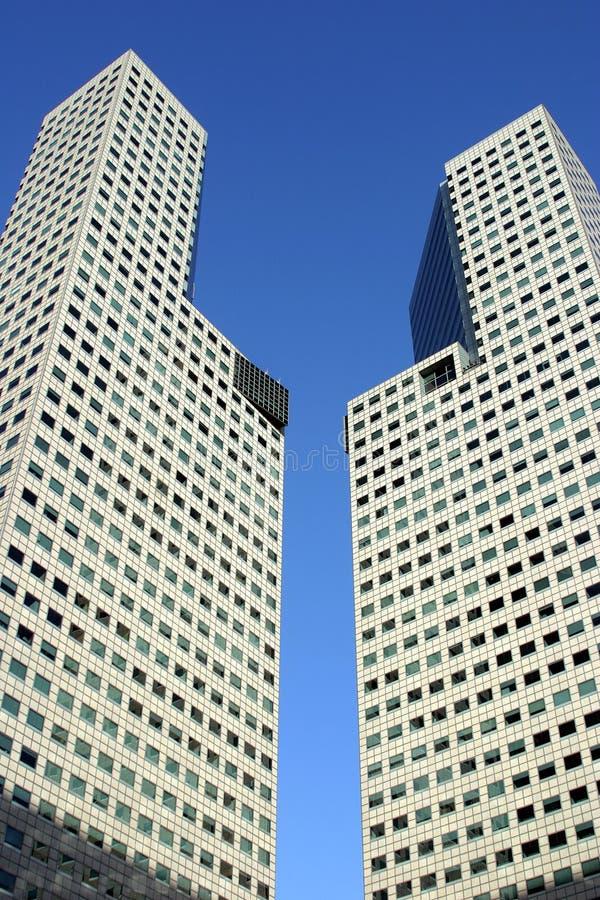 de toren van het 45 verdiepingsbureau, Suntec Stad, Singapore stock foto's