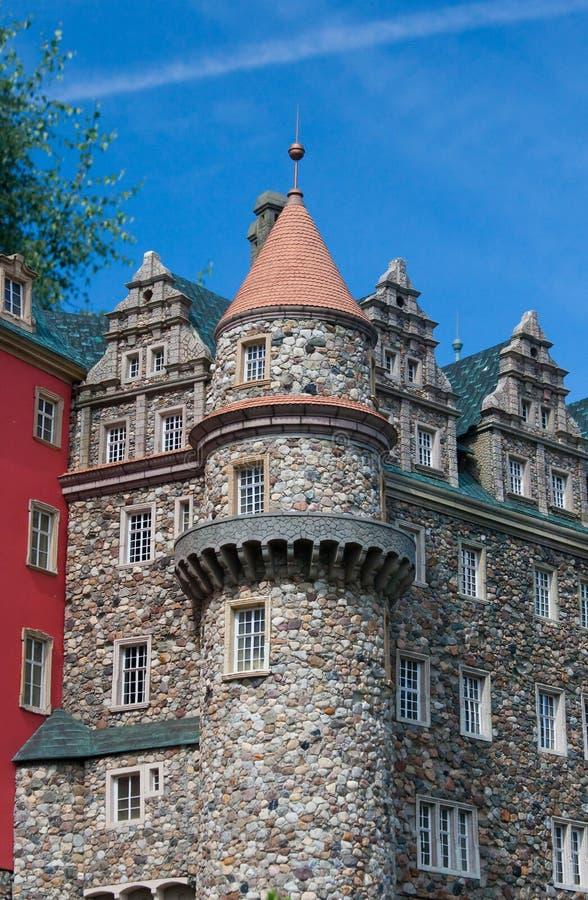Download De toren van het kasteel stock foto. Afbeelding bestaande uit kasteel - 10780840