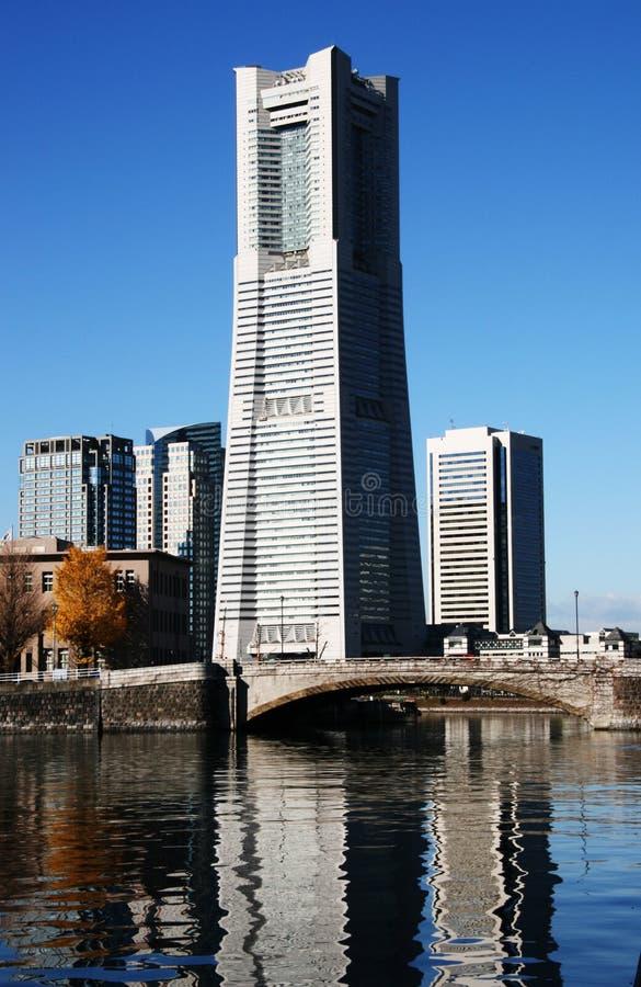 De Toren van het oriëntatiepunt. Yokohama stock afbeeldingen