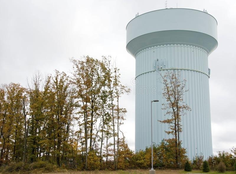 De toren van het waterreservoir royalty-vrije stock afbeelding