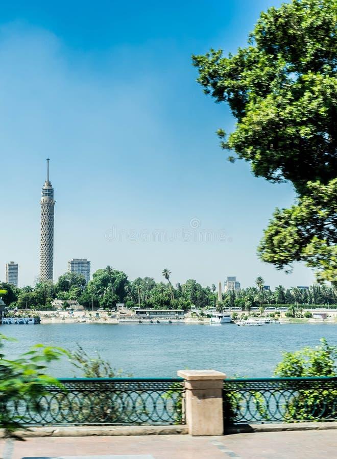 De Toren van Kaïro en Nile River royalty-vrije stock foto's