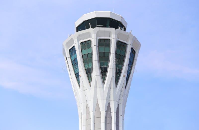 De toren van de luchthavencontrole royalty-vrije stock fotografie