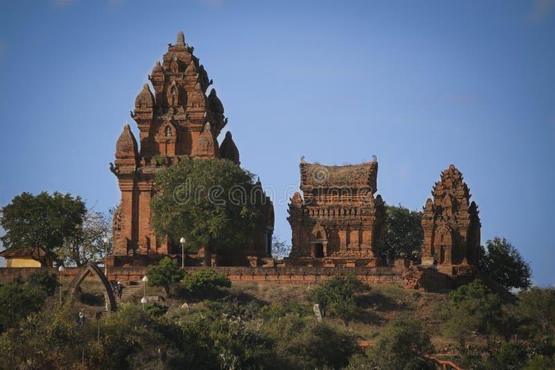 De toren van Poklongaraichampa stock afbeelding