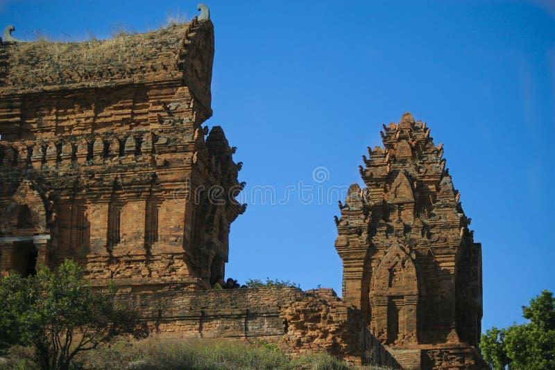 De toren van Poklongaraichampa royalty-vrije stock fotografie