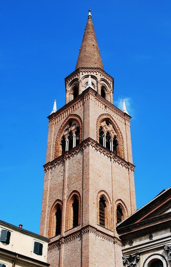 De toren van Sant 'Andrea in Mantova stock foto
