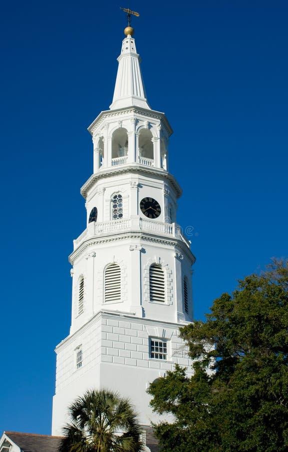 De Torenspits van de kerk stock afbeeldingen