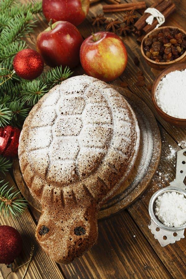 ` De tortue de ` de gâteau avec la poudre de sucre image libre de droits