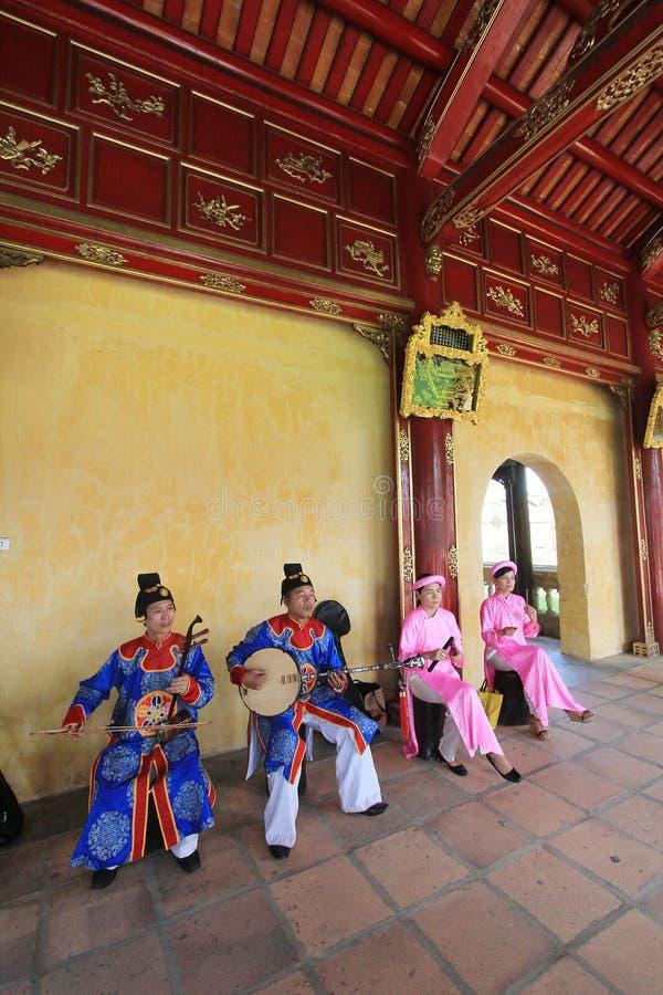 De traditionele gebeurtenis van muziekprestaties in Vietnam royalty-vrije stock afbeelding