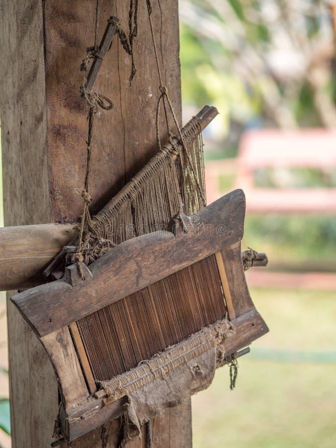 De traditionele textiel wevende hulpmiddelen van Laos Ock Pop Tok, Luang Phabang stock foto