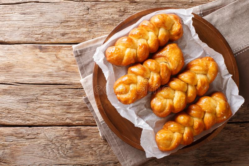 De traditionele Zuidafrikaanse kleverige zoete doughnut van Koeksisters, kleverig royalty-vrije stock afbeelding