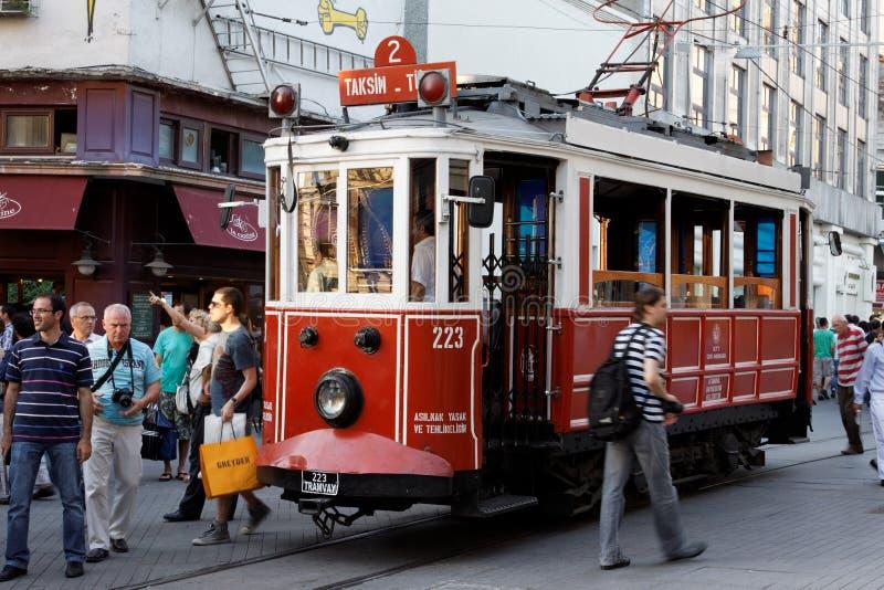 De Tram Istanboel van Bucholic van Taksim stock afbeelding