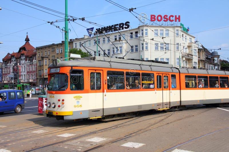 De tram van de stad in Poznan stock afbeelding
