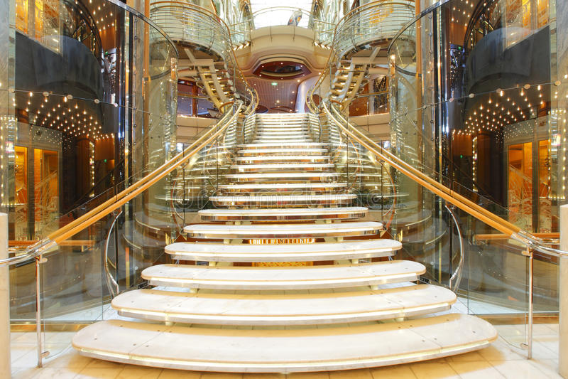 De trap van de luxe royalty-vrije stock afbeeldingen