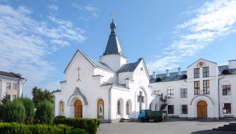 De tre saints katedral är den ortodoxa kyrkan i Mogilev Vitryssland arkivfoton