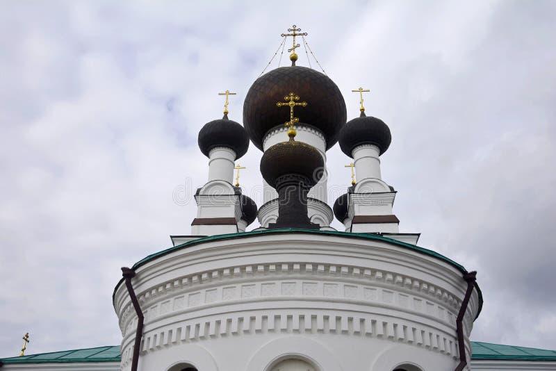 De tre saints katedral är den ortodoxa kyrkan i Mogilev Vitryssland royaltyfria bilder